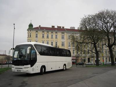 Cvinger bus - NEOPLAN Tourliner